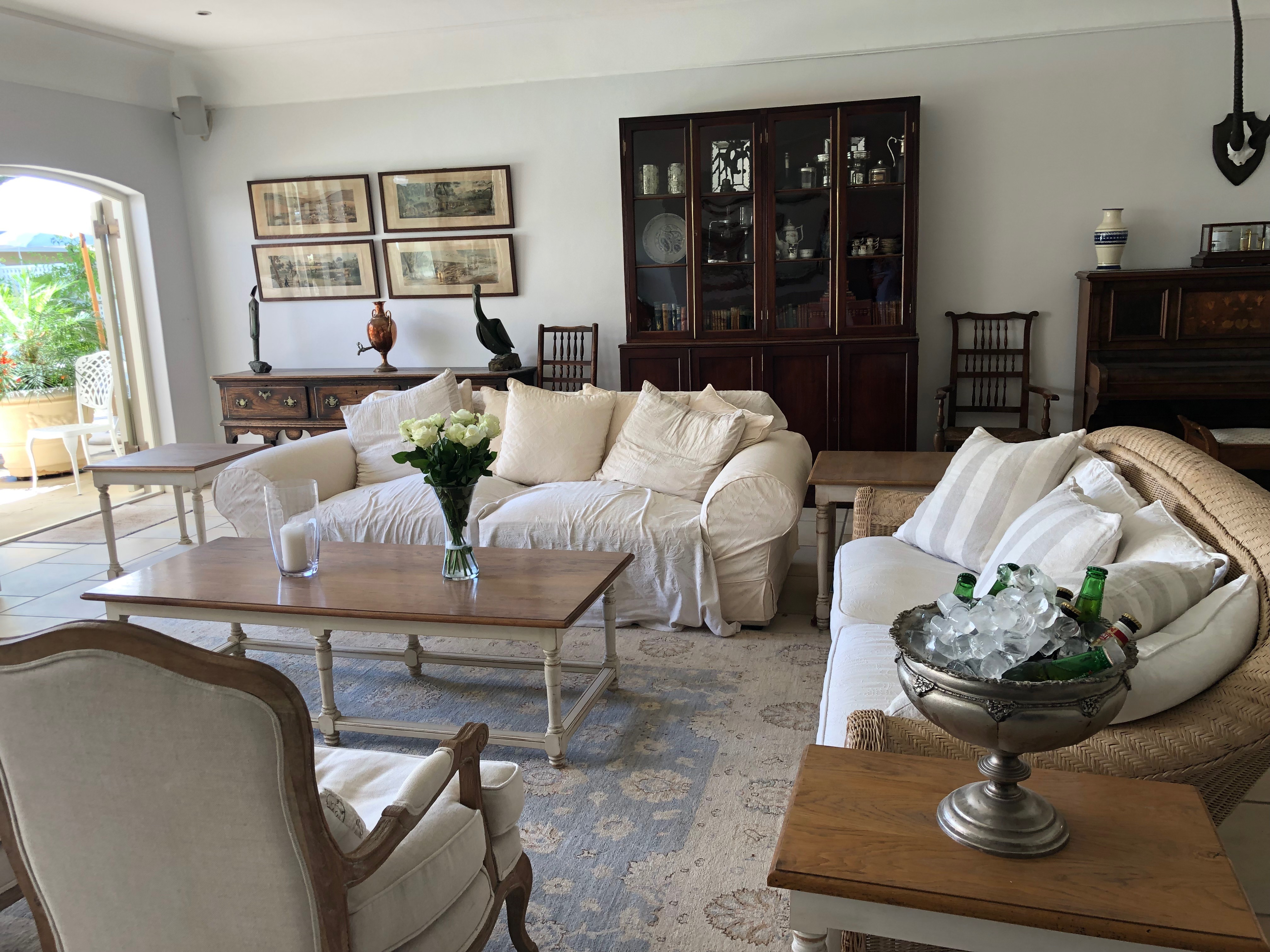 Lounge: CVL IN CONSTANTIA VALLEY LODGE